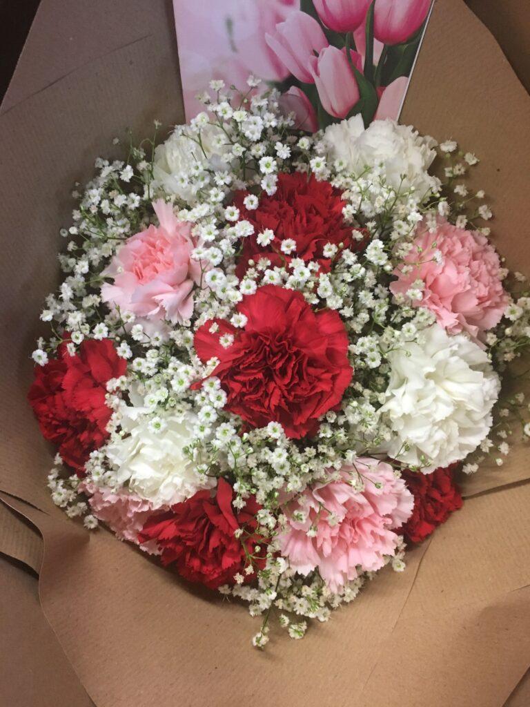 ดอกไม้ให้หัวหน้า คาร์เนชั่น